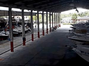 O que faz uma garagem náutica?