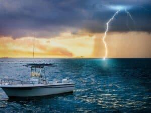 como-se-proteger-dos-raios-durante-a-navegacao